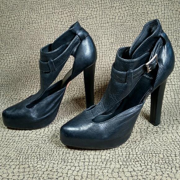 Dolce Vita Shoes - Dolce Vita Black Leather Pumps